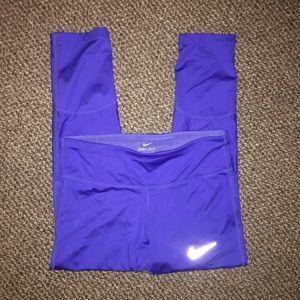 Nike bright blue cropped leggings